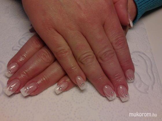 Körömszalon - Judit - 2012-03-01 18:31